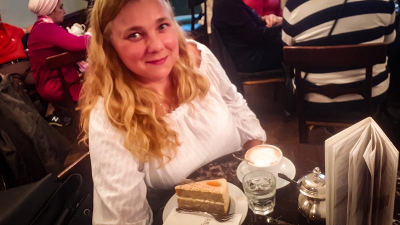 Pozdrawiam Joanna z kawiarni Demel