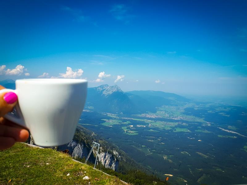 Kawa z pieknymi widokami ...Untersberg