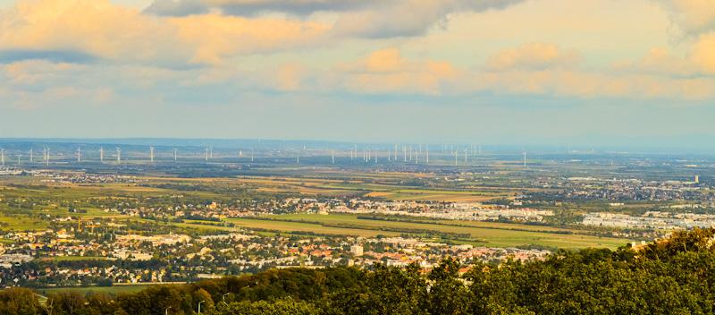 Widok z wieży Stefani , na wiatraki przed Wiedniem