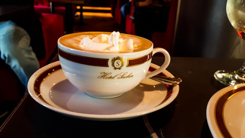 Kawa , Sacher kawiarnia