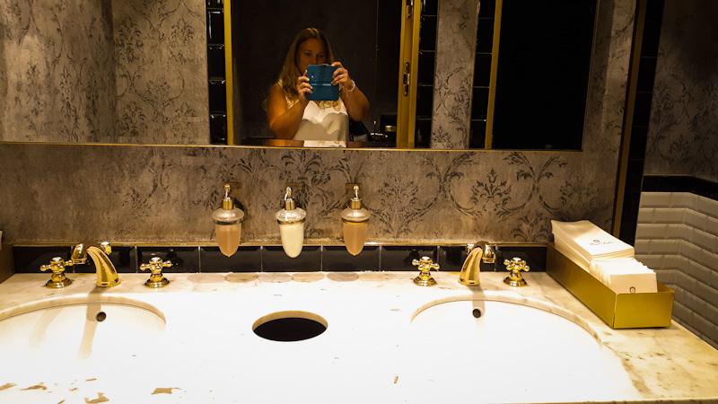 Toaleta Kawiarnia Sacher , każdy szczegół jest ważny