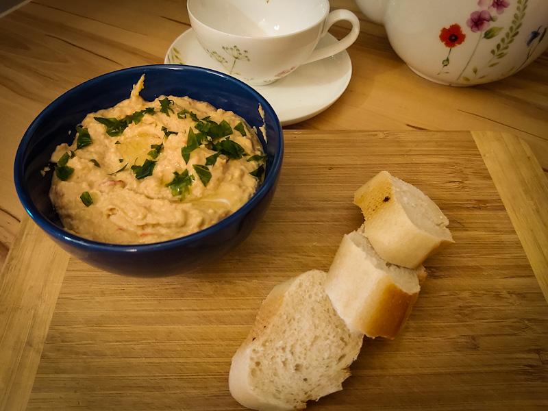 Hummus  z pieczoną papryką