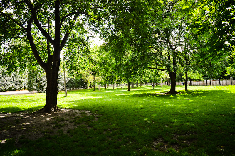 Augarten , park w którym odoczywają Wiedeńczycy